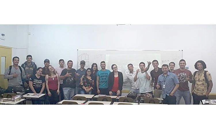 Palestra sobre Sistemas Construtivos na Universidade Uniaselvi